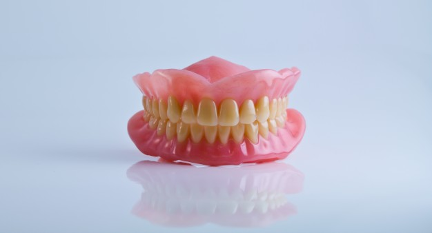 Top 4 Ways To Take Care Of Your Dental Dentures